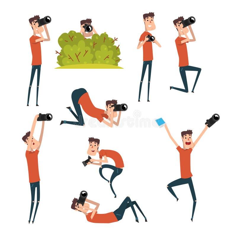 Uppsättning av fotografer i olika lägen Tecknad filmman som tar bilder genom att använda den yrkesmässiga kameran Ung gladlynt gr stock illustrationer