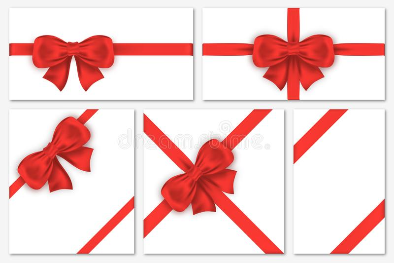 Uppsättning av gåvakort med lyxiga röda pilbågar Den dekorativa gåvan bugar med satängband för inpackning, ramar, banret, inbjuda vektor illustrationer