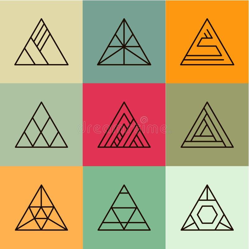 Uppsättning av geometriska former, trianglar moderiktigt royaltyfri illustrationer