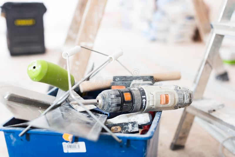 Uppsättning av konstruktionshjälpmedel för att reparera lokalen royaltyfri bild