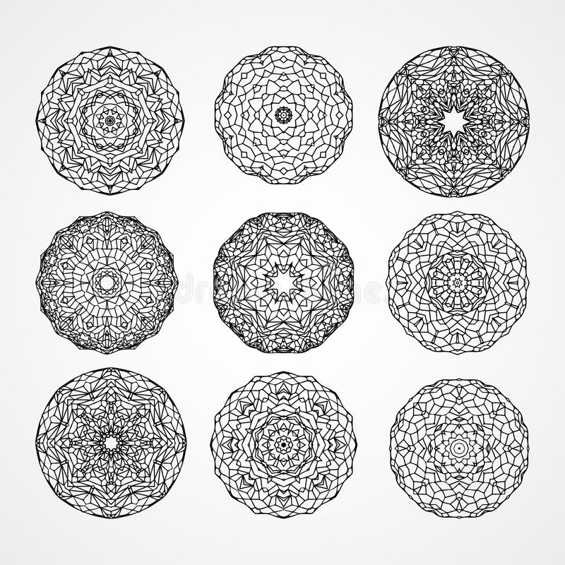Uppsättning av kyrkliga gotiska cirkelprydnadrosor i vektor, b vektor illustrationer
