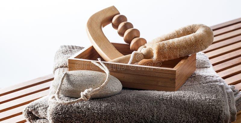 Uppsättning av massage, exfoliation och skalning som skämmer bort tillbehör royaltyfri fotografi