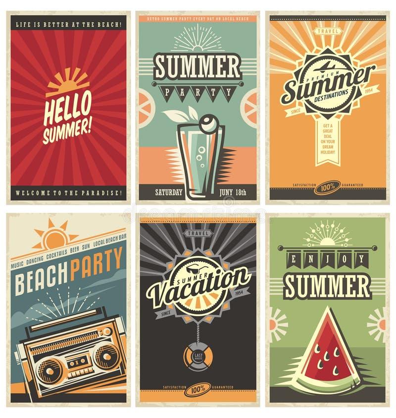 Uppsättning av retro affischer för sommarferie stock illustrationer