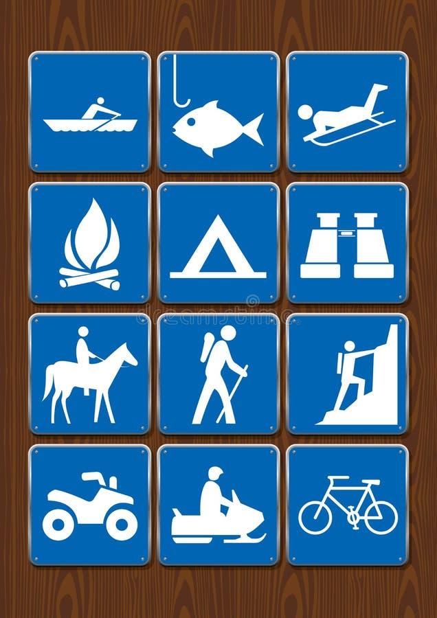 Uppsättning av symboler av utomhus- aktiviteter: rodd fiske, lägereld som campar, kikare, hästryggridning och att fotvandra och a stock illustrationer