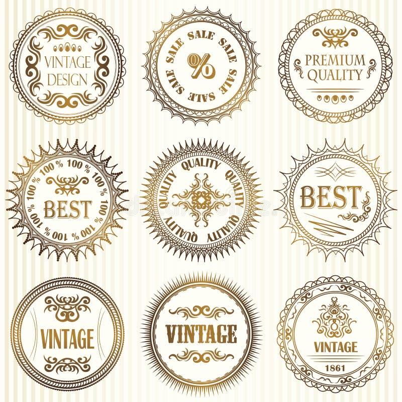 Uppsättning av tappningetiketter i guld royaltyfri illustrationer