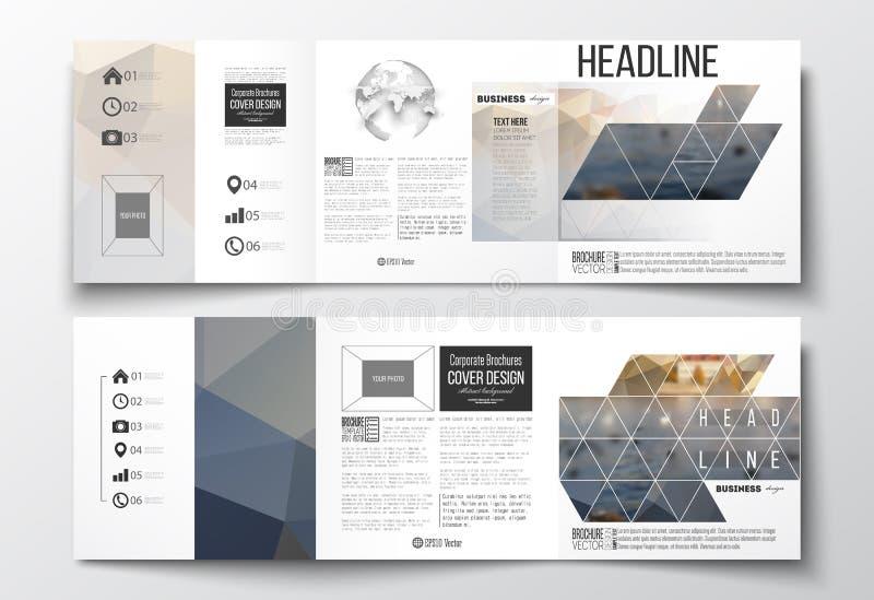 Uppsättning av trifold broschyrer, fyrkantiga designmallar Polygonal bakgrund, suddig bild, stads- landskap, cityscape royaltyfri illustrationer