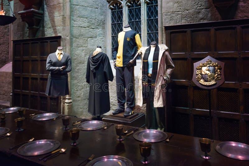Uppsättningen av den stora Hallen som Hogwarts, LEAVESDEN, UK royaltyfri fotografi