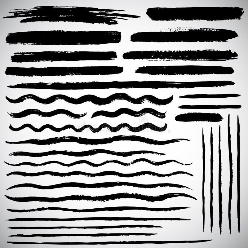 Uppsättningen av olika vektorborsteslaglängder, den drog handen fodrar vektor illustrationer