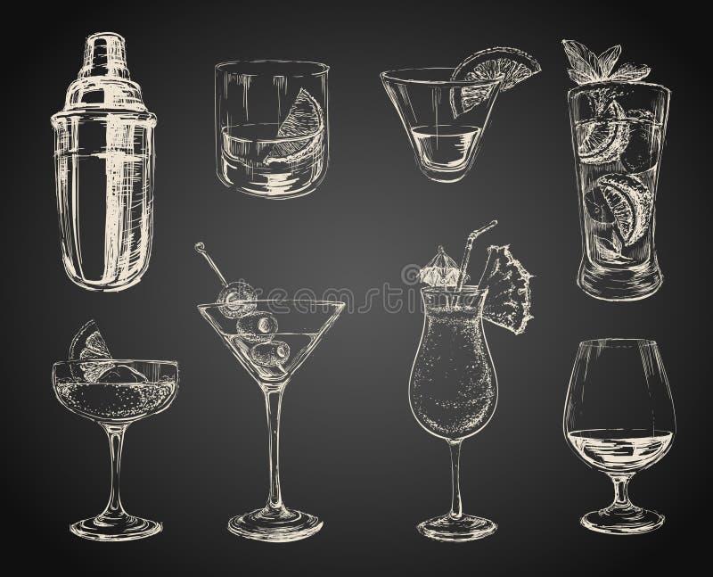 Uppsättningen av skissar coctailar och alkoholdrinkar stock illustrationer