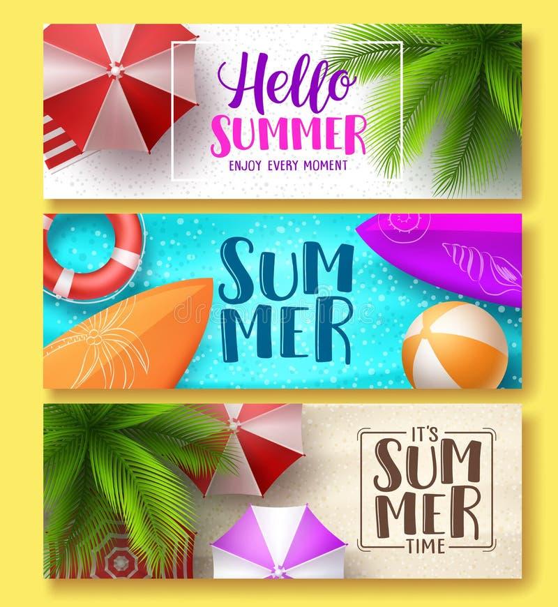 Upps?ttning f?r baner f?r sommardesignvektor Hello sommar som h?lsar text i strandsand med f?rgrika sommarbest?ndsdelar stock illustrationer