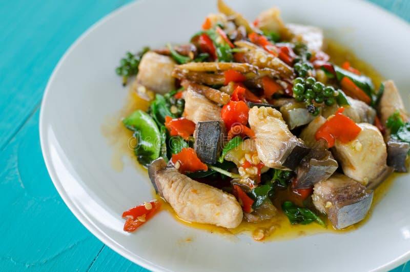 UppståndelseFried Spicy Mekong River fisk royaltyfria bilder
