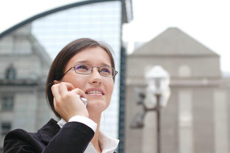 upptagen kvinna arkivfoto