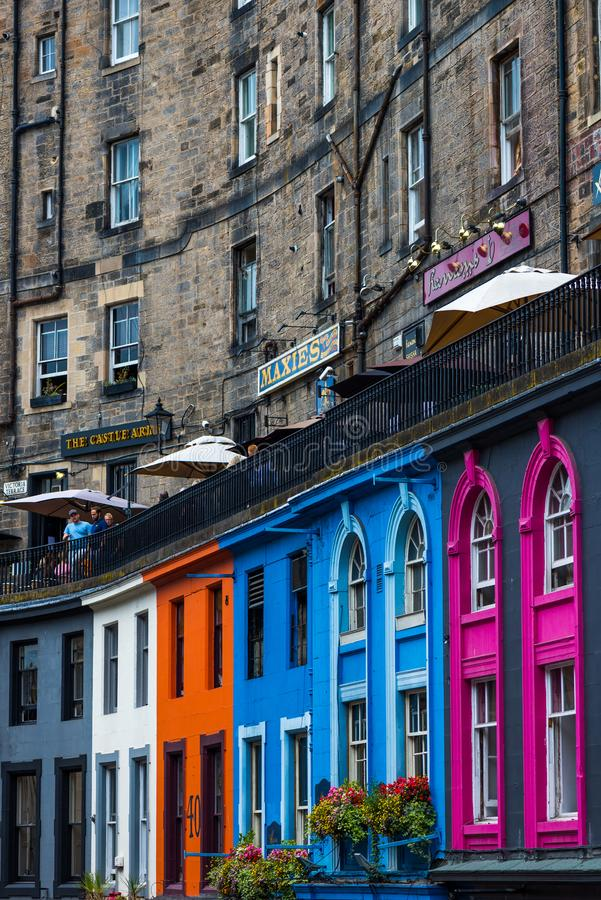 Upptagna gator av Edinburg, Skottland, UK arkivfoto