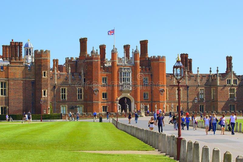 uppvakta den hampton slotten royaltyfri fotografi
