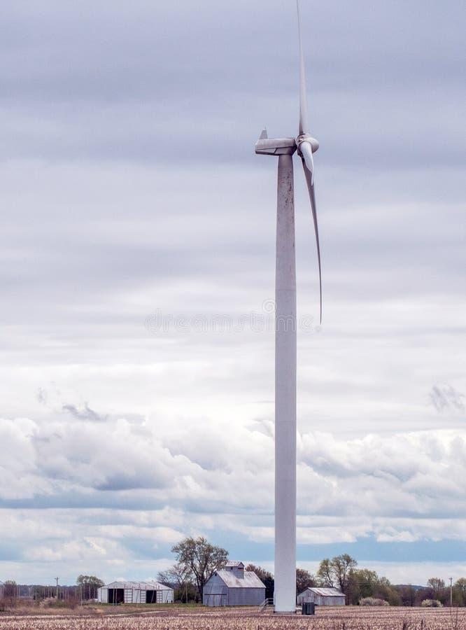 Uprawiać ziemię wiatr w Indiana usa obrazy royalty free