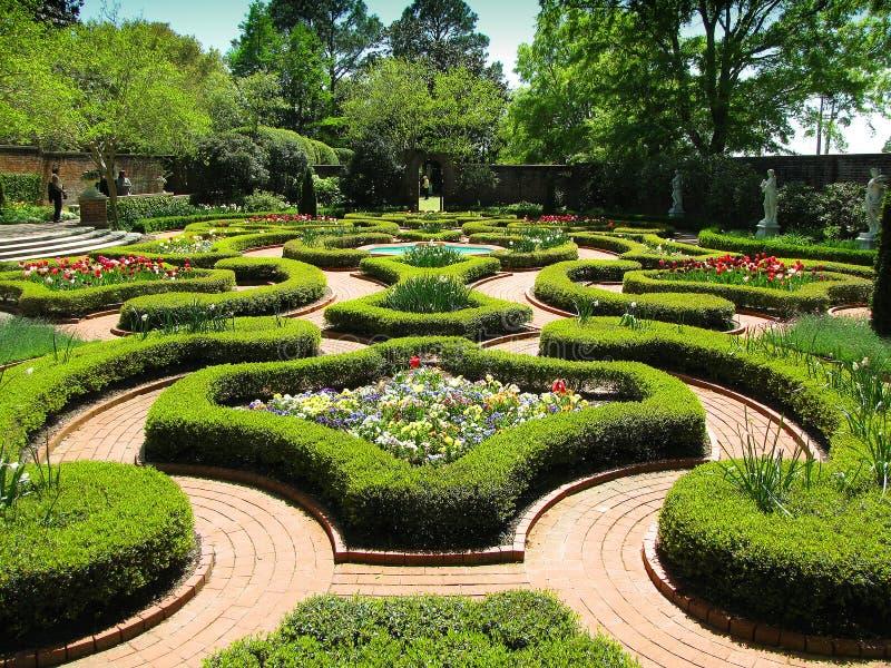 uprawia ogródek historycznego pałac zdjęcie stock