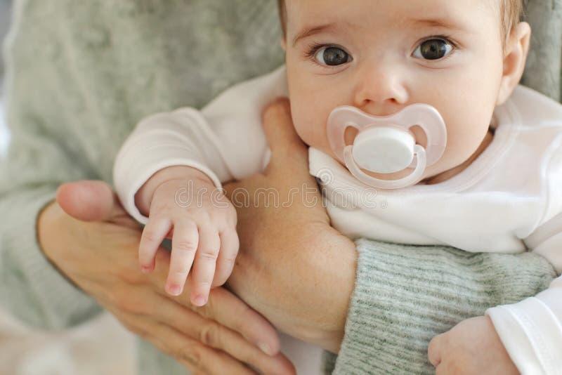 Uprawy mienia macierzysty dziecko zdjęcie royalty free