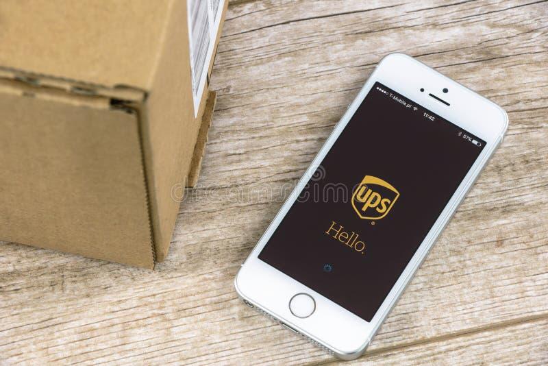 UPS APP sur l'iPhone photo libre de droits