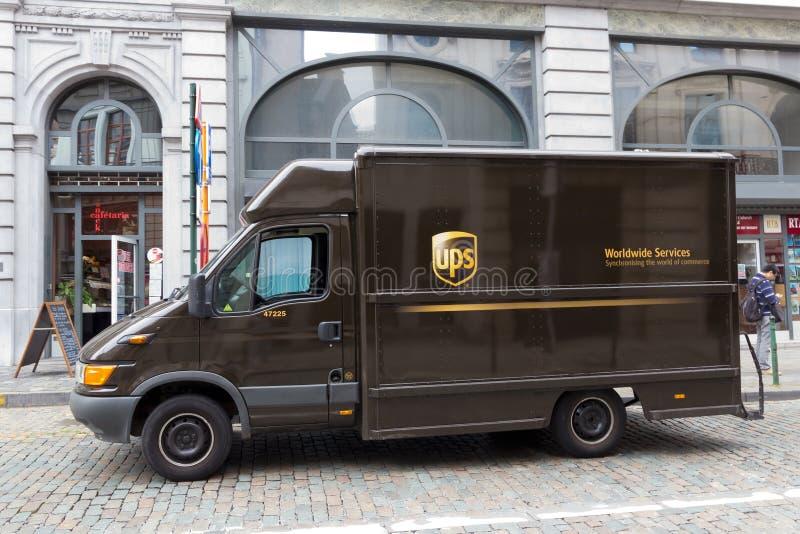 UPS-vrachtwagen stock foto's