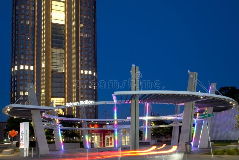 Uptownstationsbyggnad på Dallas arkivfoton