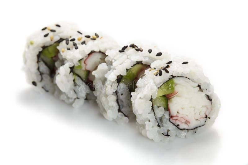 Uramaki de sushi, à l'envers, petit pain de la Californie image stock
