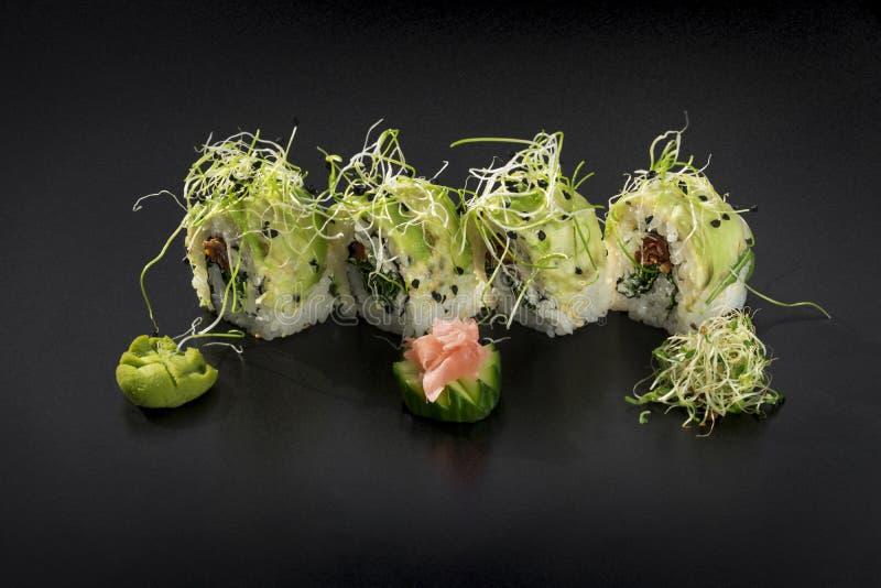 Uramaki de sushi, à l'envers, petit pain de la Californie photos libres de droits