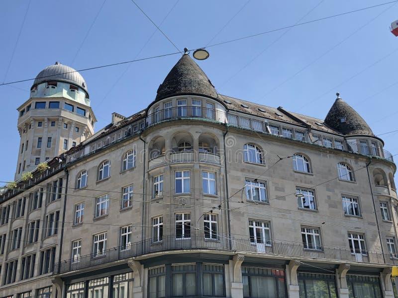 Urania Sternwarte - barre de panorama, tour d'observatoire et astronomie - Zurich photos stock