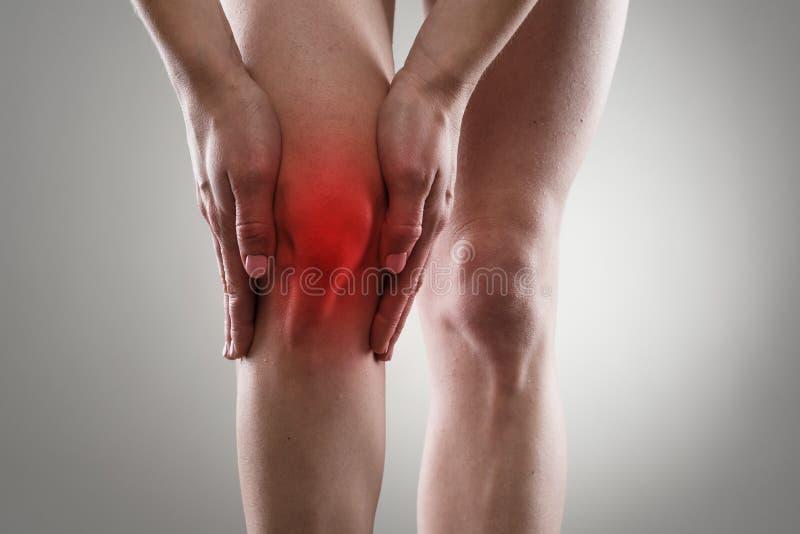 urazu kolanowego samiec bólu biegacza działający sporty zdjęcia royalty free