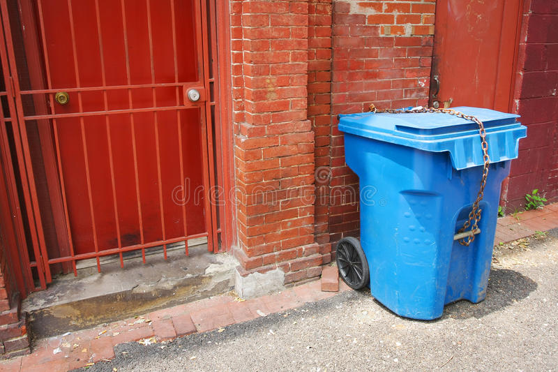 Download URBAN ALLEY TRASH CAN Stock Image - Image: 20573071