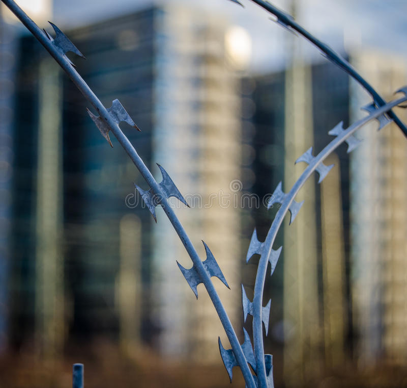 Free Urban Razor Wire Stock Images - 39417794