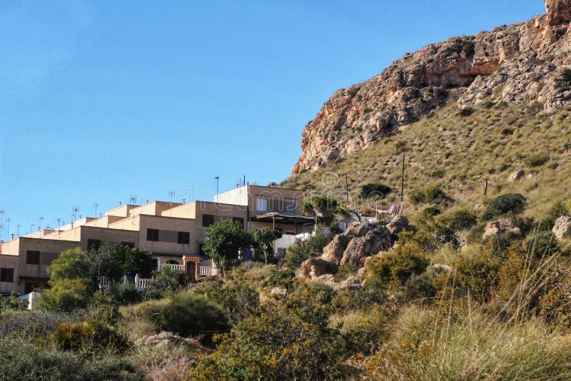 Urbanisatie op de Kust van Alicante onder de zon stock foto
