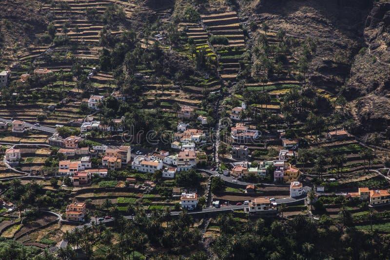 urbanisatie op terrassen bij La Gomera, Canarische Eilanden royalty-vrije stock afbeeldingen