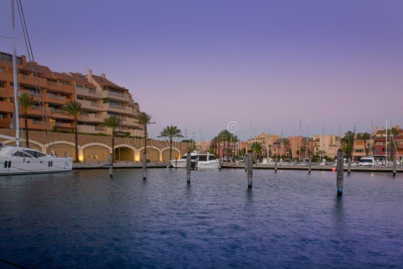 Urbanisation e porto de Sotogrande na Andaluzia foto de stock royalty free