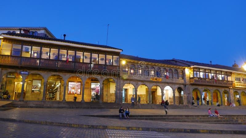 Urbanização no quadrado principal de Cusco fotos de stock
