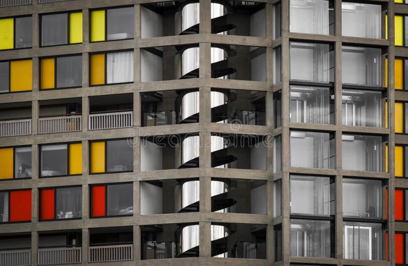 Urbanizaci?n de la colina del parque regenerada por el chapoteo urbano en Sheffield - Sheffield, Reino Unido - 13 de septiembre d fotos de archivo libres de regalías
