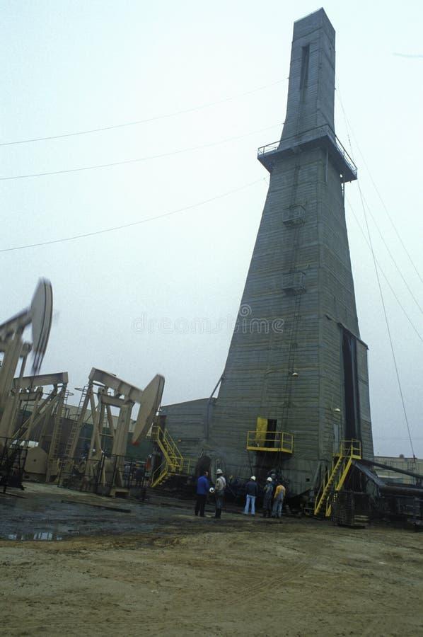 Urbano pozzo di petrolio a Torrance, Delamo Company, CA fotografie stock libere da diritti