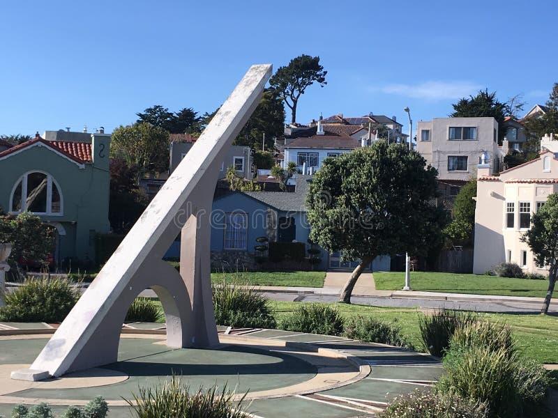 Urbano Sundial, terrazzo di Ingleside, San Francisco, 11 fotografie stock libere da diritti