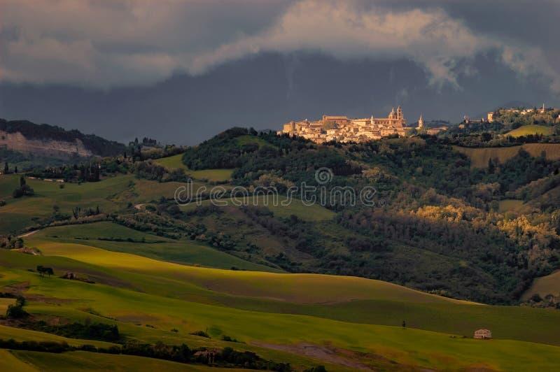 Urbino iluminó por el Sun foto de archivo libre de regalías