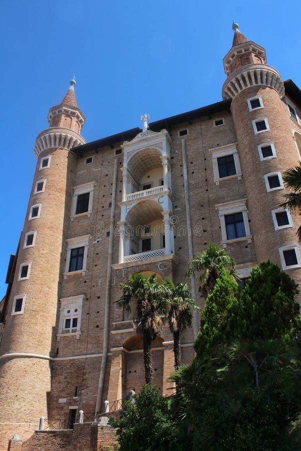 Urbino Italien, hertiglig slott fotografering för bildbyråer
