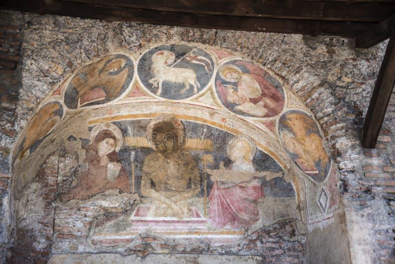 Urblekt freskomålning i gatan nära den Capitoline kullen i Rome Italien royaltyfri foto