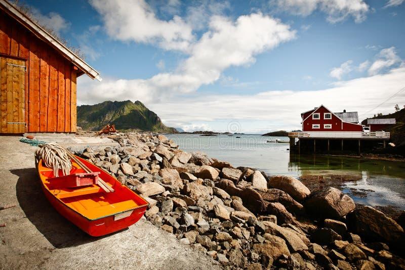 Download Ure - Vestvågøy Insel - Lofoten Stockfoto - Bild von hangar, farben: 26366518