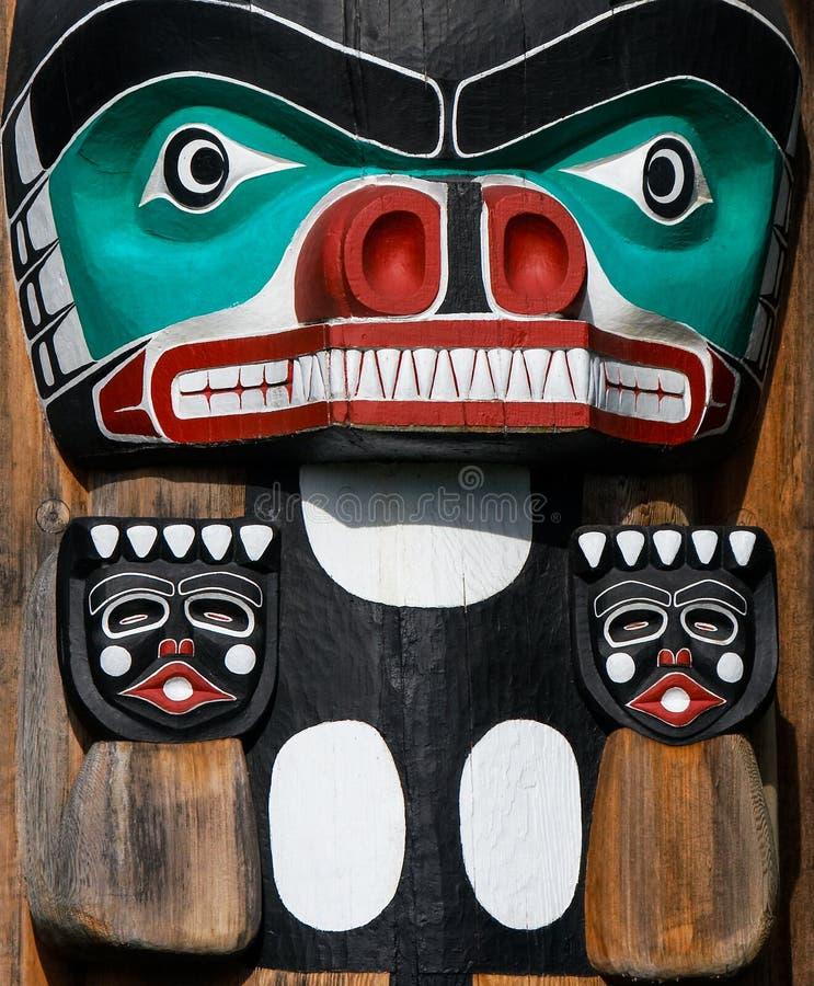 Ureinwohner Totempfahl Handgefertigte Darstellung der einzigartigen Kultur stockfotos