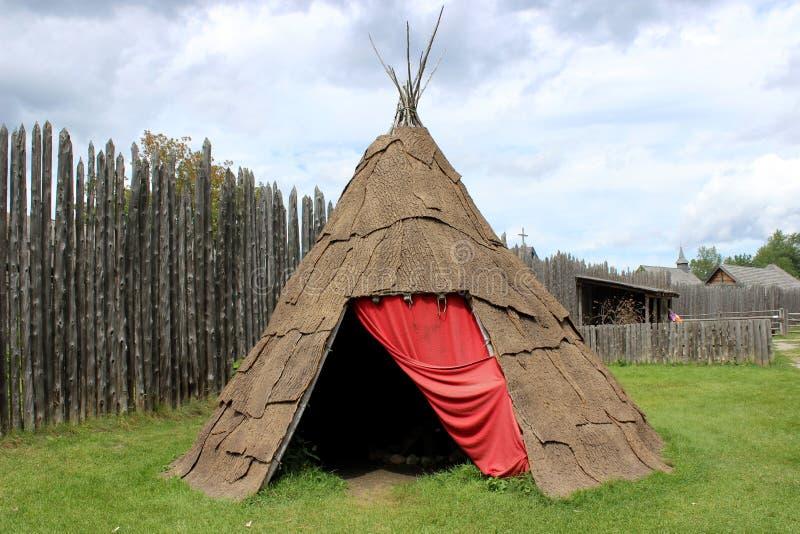 Ureinwohner-Zelt lizenzfreie stockfotografie
