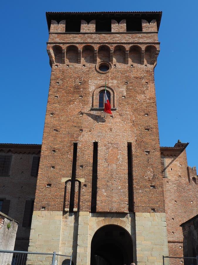 Urgnano, Bergamo, Italië Het middeleeuwse kasteel in het centrum van het dorp stock foto