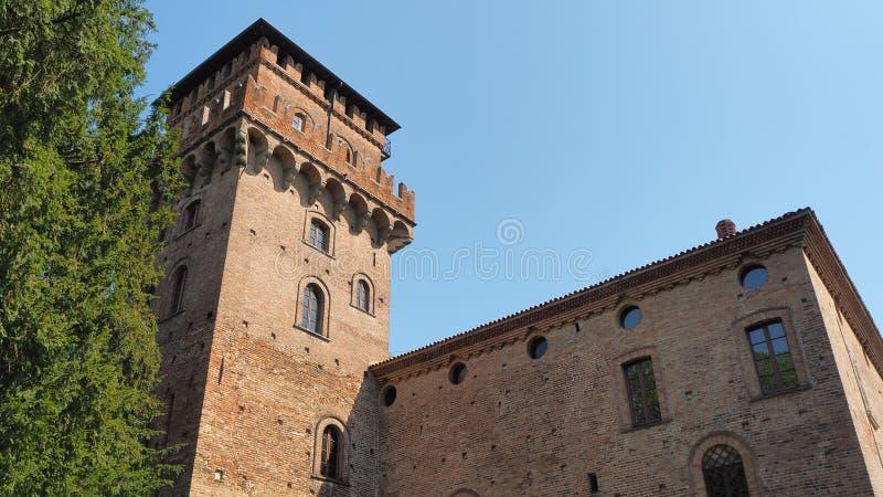 Urgnano, Bergamo, Itali? Het middeleeuwse kasteel in het centrum van het dorp stock foto's