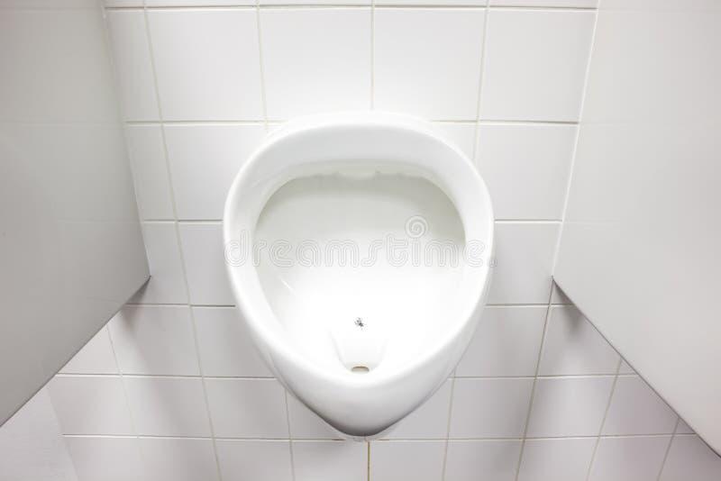 Urinal na parede foto de stock royalty free