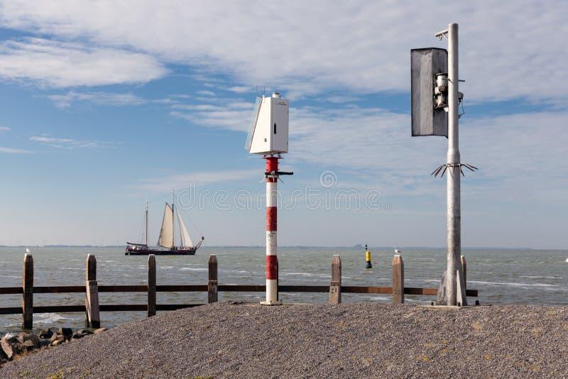 从Urk口岸码头看见的老木帆船,荷兰 库存图片