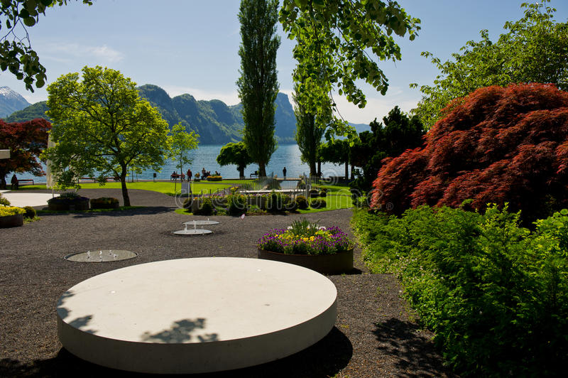 Urlopowy punkt przy jeziorem zdjęcie royalty free