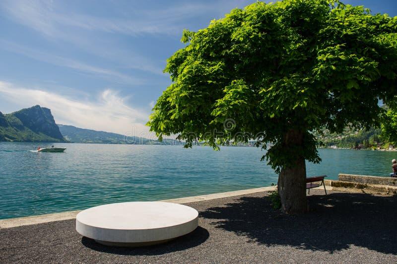 Urlopowy punkt przy jeziorem fotografia stock