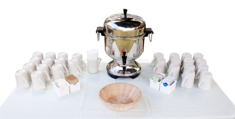 Urn de café e copos - estação do café foto de stock royalty free